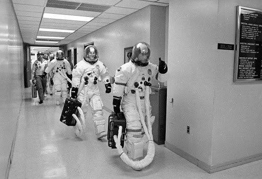 Apollo 16 Crew di John Young