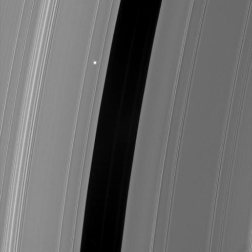 Aldebaran tra gli anelli di Saturno