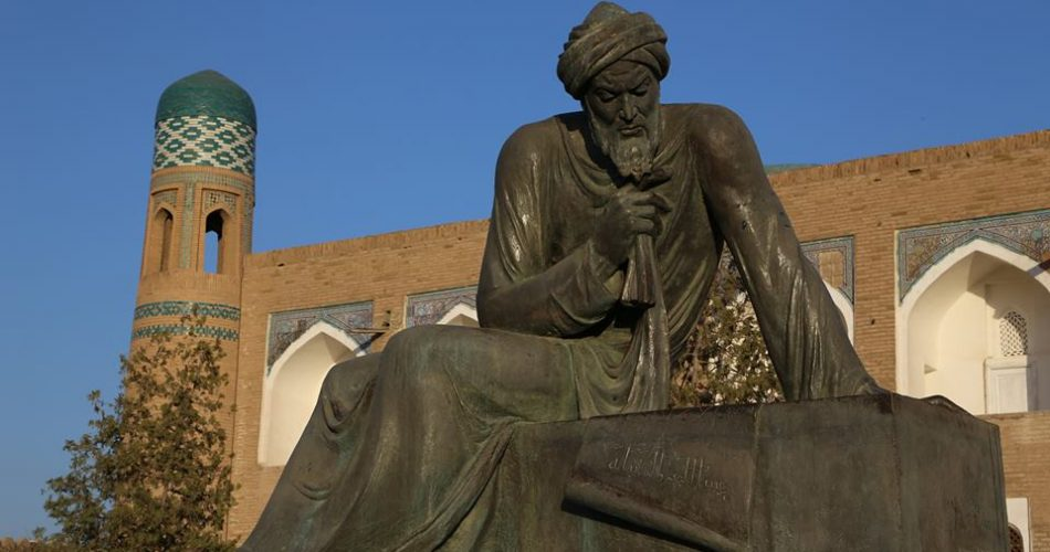 Statua di al-Khwarizmi a Khiva