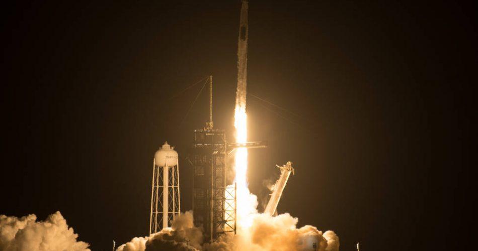 Il lancio della Crew-2